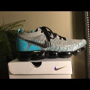 Nike Air Vapormax Flyknit 2 Men's size 11
